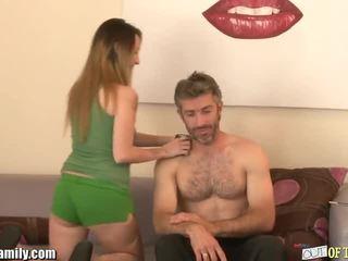 Curious jovem grávida sucks e fucks dela friends pai