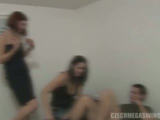 Checa mega swingers: morena whores em checa estilo orgia