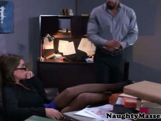 实 masseur stripping glam 孩儿