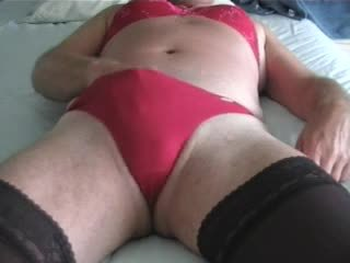 Joanne in rosso masturbates