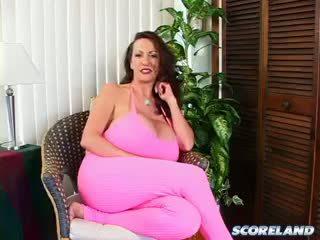 sie brünette frisch, schön große brüste, voll reifen groß