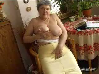 Grannies big susu video