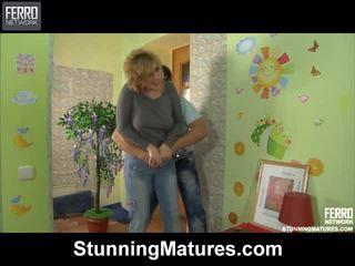 Susanna và govard dazzling mama trong hoạt động