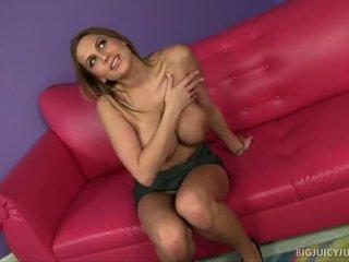 Alanah rae s groß titten jiggle während sex