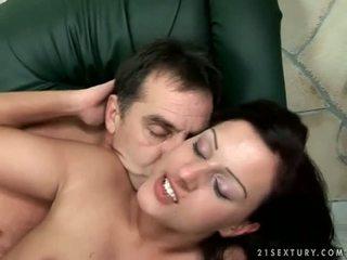 Grandpas ir paaugliai rinkinys su dalis bučiavimasis