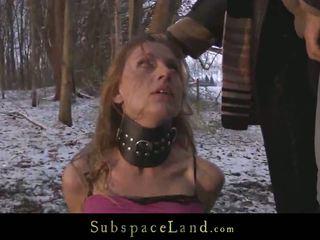 Sever मास्टर torments उसके serf निकल में the ठंडा