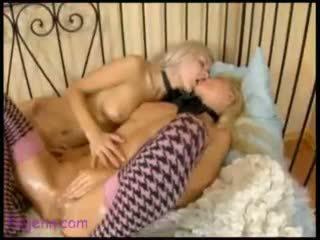оргазм, дівчина з дівчиною, навісний ракетний двигун