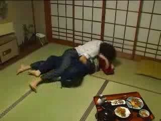 Japānieši molested līdz viņai husbands brālis video