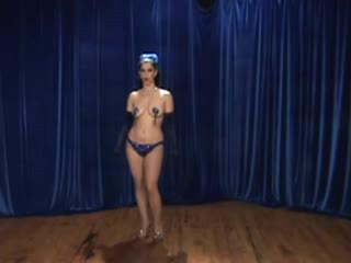 Burlesque fata - instructions pe tassle twirling!