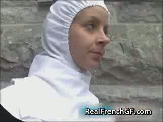 Slutty francia apáca szar kívül pornó