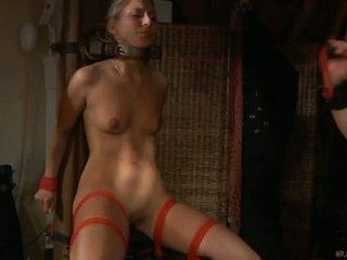 角質 奴隸 女孩 moans 的 樂趣 在 奴役,支配,虐待狂,受虐狂 session