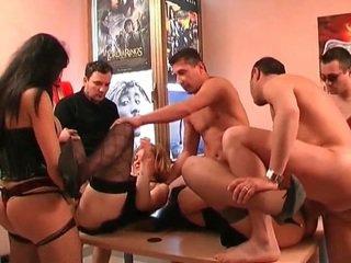 beobachten gang bang am meisten, milf sex groß, orgie