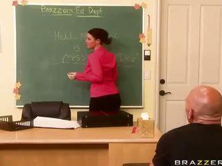 sophie dee, ideálny busty teacher