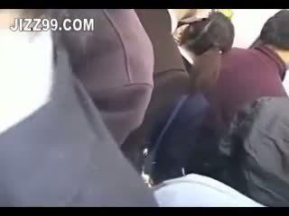 Japonez scolarita creampie inpulit în tren 02