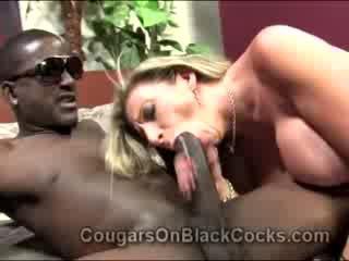 Lustful blondie küpsemad libu sara jay gets perses poolt suur tõmmud mees
