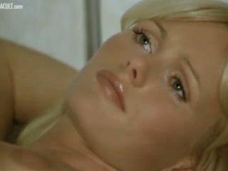 een blondjes vid, lesbiennes, heet softcore