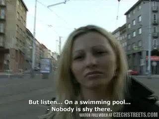 Tšekki streets - ilona takes käteinen varten julkinen seksi video-