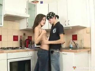 kwaliteit tiener sex porno, controleren seks in de tieten deel neuken, zien love in the kitchen