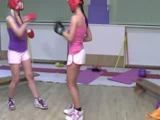 איגרוף dolls practise שלהם punches