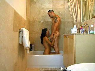 XXX Princess Nikki Price Taking The Shower And The Rod