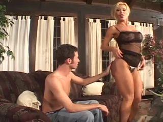 Buah dada besar perempuan cabul babe bahwa loves besar titit pumping