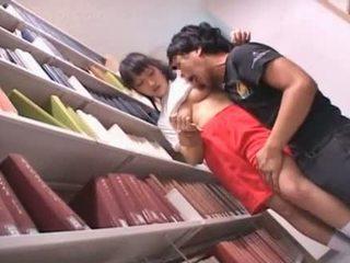 Ajeltu pillua aasialaiset koulutyttö teased sisään the kirjasto