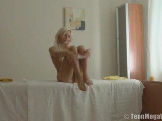Massaging yang sleaze cinta