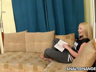 Teen Blonde Britney Spring Having The Nice Bearded Clam Bang