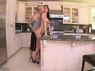 Jessica Jaymes Gives Her Man A Sleaze Dick Sucking Porno This Chab Cannot Resist