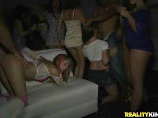 groot hardcore sex neuken, online groepsseks, heetste dans kanaal