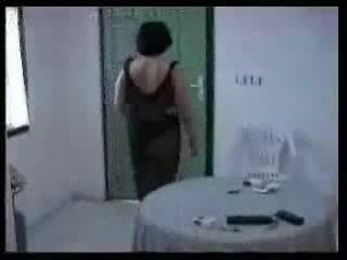 Arab mère et two jeune boys fait maison vidéo