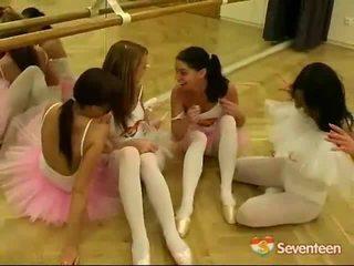 Junior Ballet Honeys