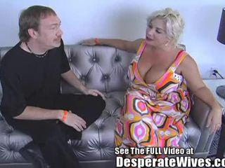 Desperate sieva claudia marie eats cum!min