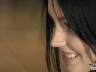 Ištvirkęs jaunas mergaitė eagers už senas varpa