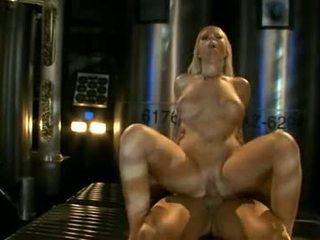 Stor titted ahryan astyn pumps henne soaked aperture hardt på en massiv schlong