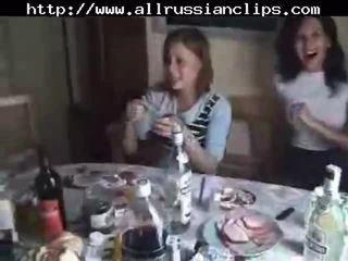 Rosyjskie students seks orgia część 1 rosyjskie cumshots połykanie