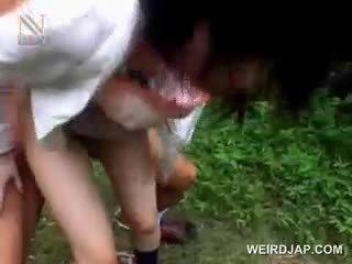 Fragile เอเชีย เด็กนักเรียนหญิง getting brutally ระยำ กลางแจ้ง