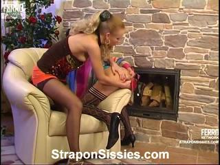 strap-on, hq strap on bitches seks, vrouwelijke dominantie neuken