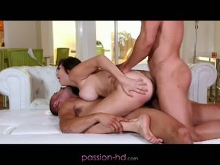 Passion dhuwur definisi: first dp for babeh holly michaels