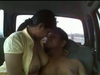 Intialainen pari auto seksi video-