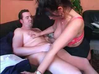 Allemand gros seins mature does son hubby vidéo