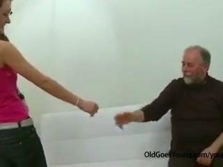 Sale teismeline tüdruk perses poolt vana mees onaneerimine ära tema boyfriend ja having sperma üle tema tissid