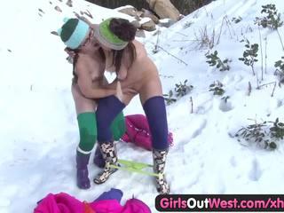 Holky von west - chlpaté rosie fingered v snow