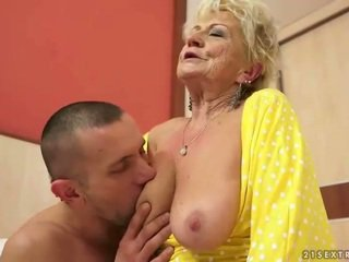 Busty granny gets her hairy pussy fucked