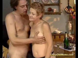 Older babe gets hard fucked