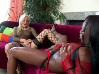pissing, bizarre