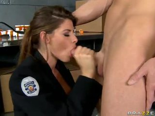 Shagging ال سخونة شرطي أبدا madelyn marie في شرطة محطة