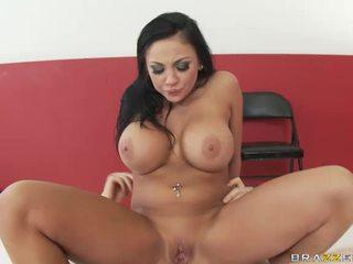 Sexy Brunette In Hardcore Sex Video