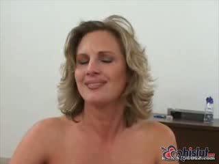 Autumn has sebuah warna merah muda pantat hubungan intim dari itu tamparan di pantat dia got