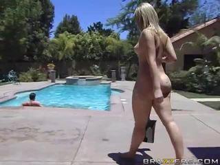 Alexis texas rides a tłusta kutas później taking a prysznic wideo